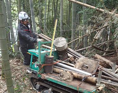 山・竹林での作業